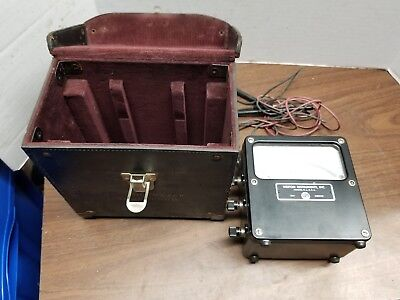 WESTON VOLTS AC 300 VOLT METER IN HARD LEATHER CASE,w/ Probes