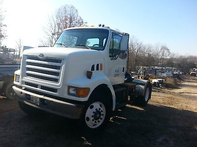 1997 Ford L Series TRUCK TRACTOR ***ONLY 51,000 MILES***