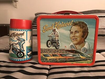 """Evel Knievel """" Vintage """" 1974 Lunch Box /with Therm0S"""
