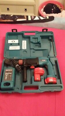 Makita Cordless Drill 12v Set Spare Battery And Charger Used In Case