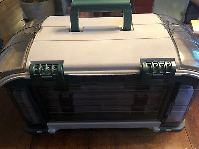 a3c8a624dd8 Plano 732-000 Angled Storage Fishing Tackle Box System (5) Removable Trays  EUC