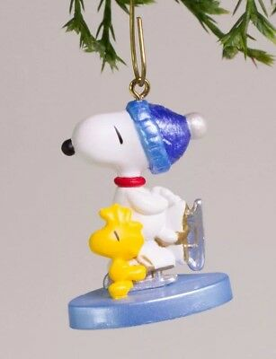 2001 Hallmark Winter Fun With Snoopy Ornament Miniature Keepsake  Skating