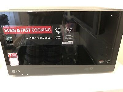 LG MS2596OB 1000W Microwave Oven