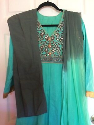 Preowned Beautiful 3 Piece Anarkali With Gold Trim Sz Med
