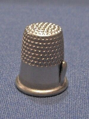 Child or Small size 4 Silvertone Metal Thimble w/ thread cutter on side