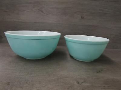 Vintage Pyrex made In the USA 403 2 /1/2 QT & 402 1 1/2 QT Mixing Bowls