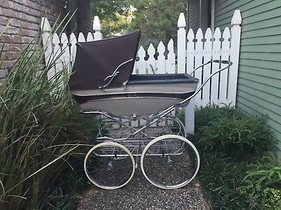 Vintage Silver Cross Kensington Pram. Excellent condition!