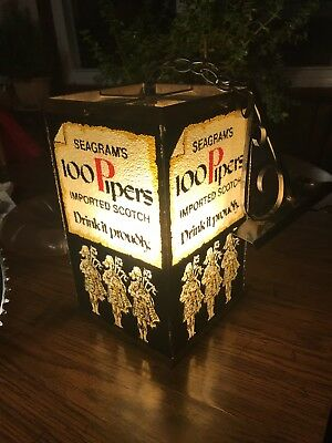 Seagrams 100 Pipers Scotch Whiskey Lamp With Orginal Bracket !!!!