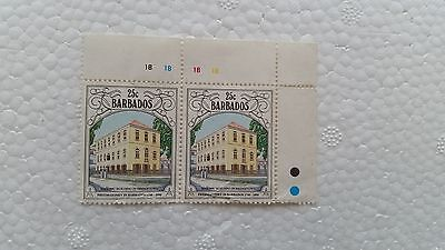 2 Barbados Briefmarken 25 Cent - Masonic Building in Bridgetown - 1992 gekauft