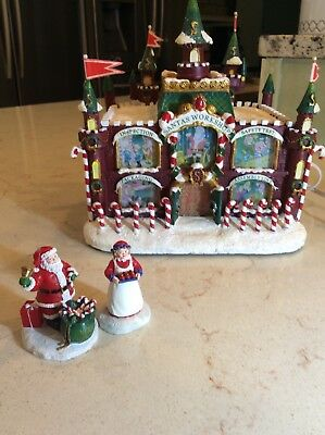 "Hawthorne Village Christmas Carnival Collection ""Santa's Workshop Fun House""2004"