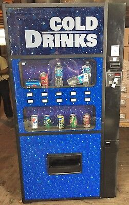 Very Nice Royal Vendors Rvdve-650-10 Soda / Drink Vending Machine Live Display