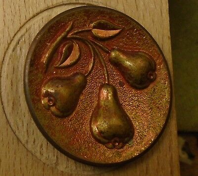 """NICE 1 1/8"""" Pears Tinted Metal Antique Button 756:20"""