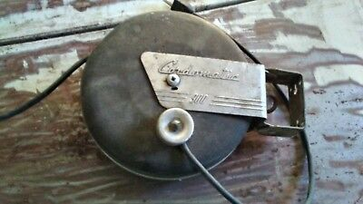 Vintage Cordomatic 900 Retractable Mounted Shop Garage Light Extension Cord 30'