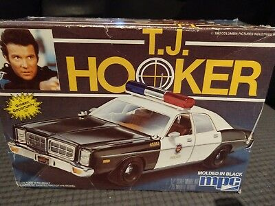 MPC T.J. Hooker 1/25th scale model police car kit