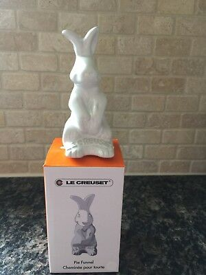 "Le Creuset ~ Pie Bunny Funnel ~ 3.75"" ~ ""Limited Edition""  ~ ""WHITE"" ~ NIB"