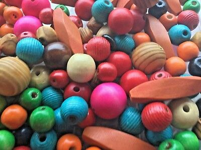 HUGE JOB LOT:1 kg. ASSORTED WOODEN BEADS. NEW. MANY DIFFERENT  BEADS INCLUDED.