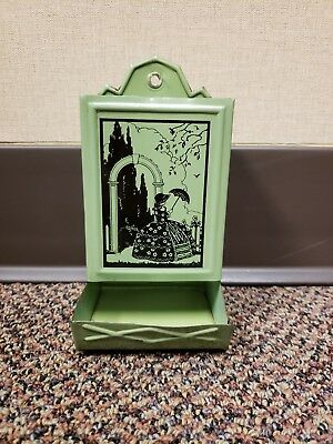 Vintage Green Tin Metal Match Box Holder Wall Mount GREAT CONDITION!