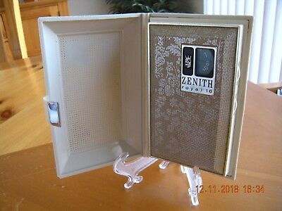 Vintage Zenith Royal 16 Billfold Style Portable Pocket AM Transistor Radio.
