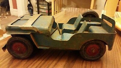 Vintage 1940s Marx Pressed Steel Willys Jeep with Metal Wheels for parts/restore