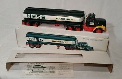 NEW IN BOX Vintage 1977 HESS GASOLINE Fuel Oil DELIVERY Toy TRUCK