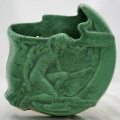 """ROSEVILLE CHLORON RARE 9.5"""" x 9.5"""" 'WITCH' WALLPOCKET IN CURDLED GLAZE MINT"""