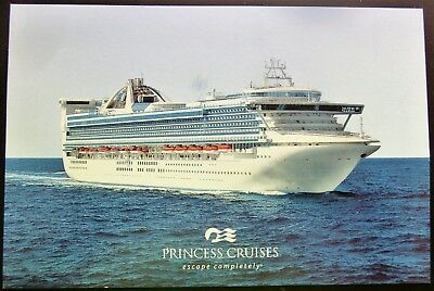 "Post Card ~ Princess Cruises 2001 ""GOLDEN PRINCESS"" ""escape completely®"" 6x4"