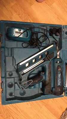 Makita GN900SE 1st Fix Nail Gun in case - Cordless