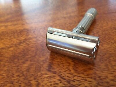 "Vintage 1958 Gillette ""FATBOY"" Adjustable Safety razor, D4 NEAR MINT!!"