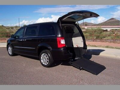 2016 Chrysler Town & Country Touring Wheelchair Handicap Mobility Van 2016 Chrysler Town & Country Touring Wheelchair Handicap Mobility Luxury Van