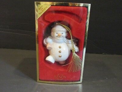 LENOX~SNOWMAN TOTTING TREE~Christmas Ornament~3rd in Series~GOLD HANGER