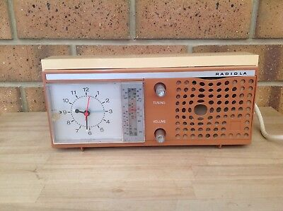 Vintage/retro Radiola Transistor Clock Radio, Radios, Clocks, Music, Collectable