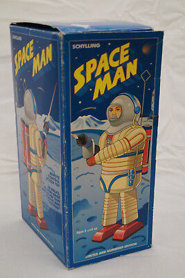 SPACE MAN Roboter Astronaut by Schylling defekt tin toy