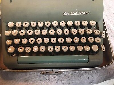 Vintage 1957-8 Alpine Green Smith Corona SILENT SUPER Beautiful Working w/Key