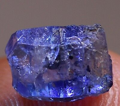 NATURAL BLUE SAPPHIRE 3.12ct, CRYSTAL SHAPE STONE - SRI-LANKA.