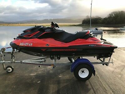 2017 Seadoo RXP-X 300 - 36hrs Use - Roller Trailer - Cover - 8 months Warranty!
