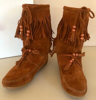 Woman's Minnetonka Warm Brown Fringed Suede Moccasin Tramper Boot Shoes*Beads* 9