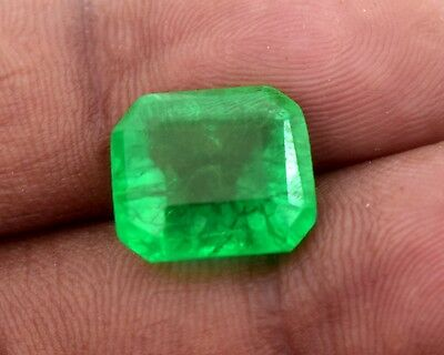 Stunning Natural Green Emerald, GGL Certified 4.60 Cts. Emerald Shape Gemstone
