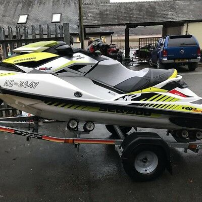 2017 Seadoo RXP-X 300 - 4hrs Use - Roller Trailer - Cover - 8 months Warranty!