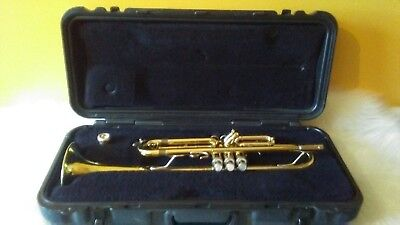 Bach USA Trumpet Model TR300 with Besson 7C Mouthpiece