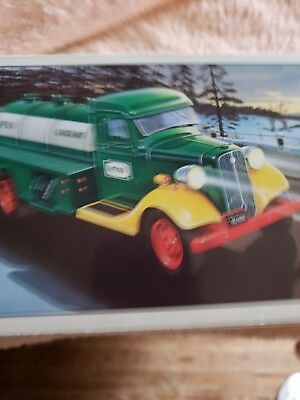 1985 THE FIRST  HESS TOY TRUCK BANK IN ORIGINAL BOX new never been out of box