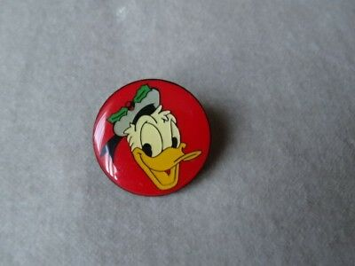 Vintage jewellery Signed Disney Donald Duck Christmas Pin Badge