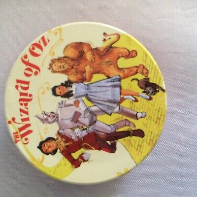 "Wizard of Oz Vandor mini 2 "" round hinged tin"