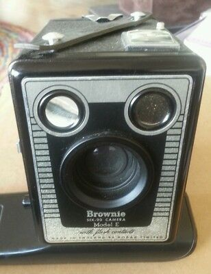 Vintage Kodac Camera Six 20 Model E Brownie With Flash Contacts. With Case.
