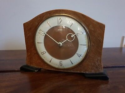 Vintage Retro Metamec Oak Desk/Mantle Clock (Circle Hands England Feet Wind Up)