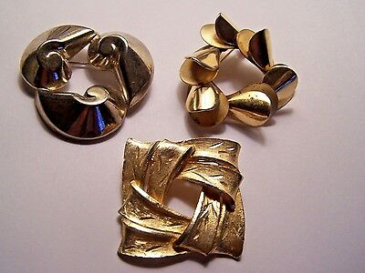 Vintage Lot of 3 Pins  / Estate Item 1970's Gold Tone +