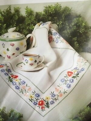"Modell Stamped Embroidery Tablecloth 32"" x 32"" Floral 230-6066 Germany"