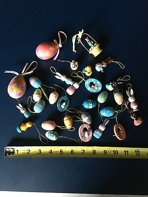 Lot of 30 Easter Ornaments, mostly small painted wooden ones