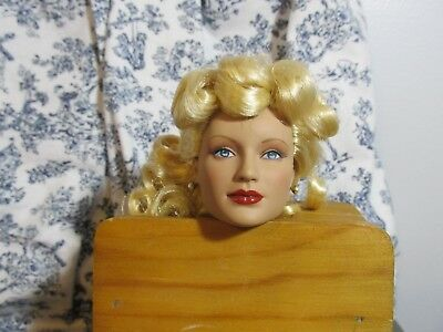 Tonner Wizard Of Oz, Lady Ozmopolitan, Doll Head With Blonde Hair And Outfit