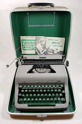 Vintage Royal Quiet De Luxe Deluxe Manual Portable Typewriter & Case Green Keys
