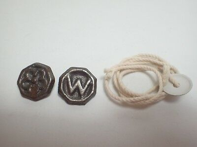 2 ps Japanese Cast Iron Spinning Top Toys  Beigoma  Vintage with string (be03)